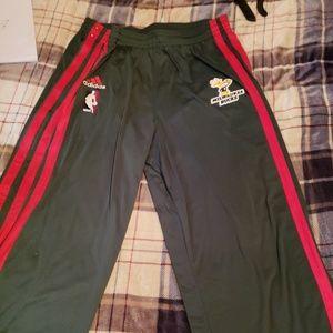 Milwaukke bucks warm up pants